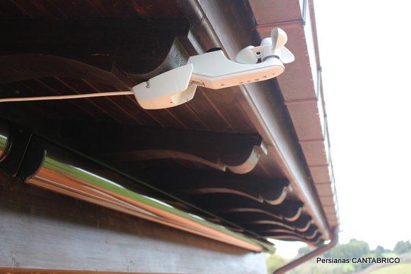 sensor de viento Somfy para toldo