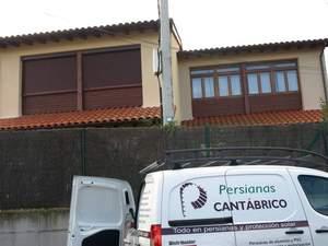 ventanal con persiana y  sin persiana