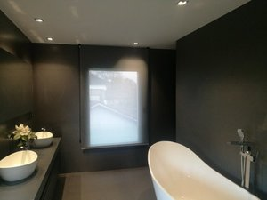 enrollables Bandalux en cuarto de baño